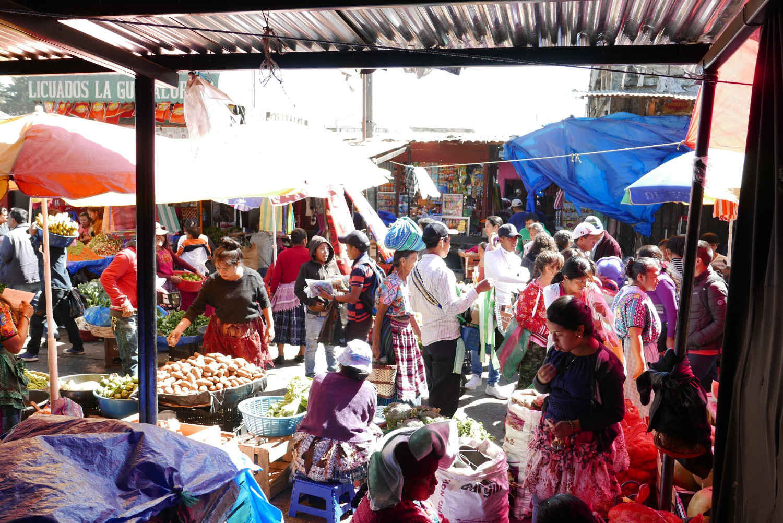 Chaos in Minerva market in Xela